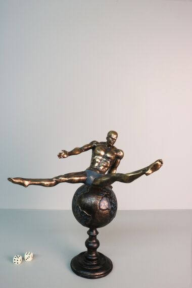 iOne Art Athlete on the Globe