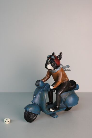 iOne Art Dog on Vespa