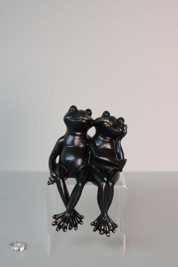 iOne Art Frogs In Love